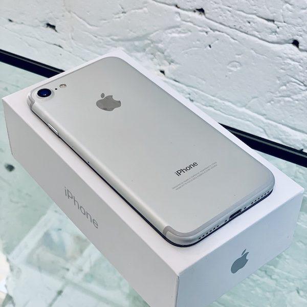 Apple iPhone 7 32Gb Silver (MN8Y2) Б/У состояние – А - ТвойGadget
