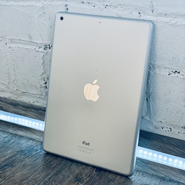 Apple iPad Air 64 GB WI-FI Silver ; (б/у) - ТвойGadget