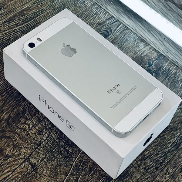 Apple iPhone SE 64 GB Silver (MLM72) Б/У состояние — А - ТвойGadget