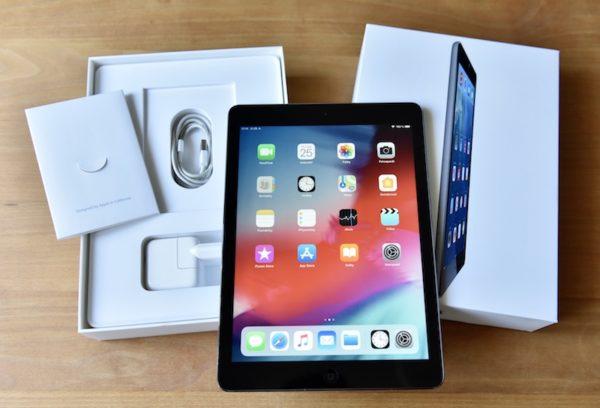 Apple iPad Air 16 GB WI-FI Black ; (б/у) - ТвойGadget