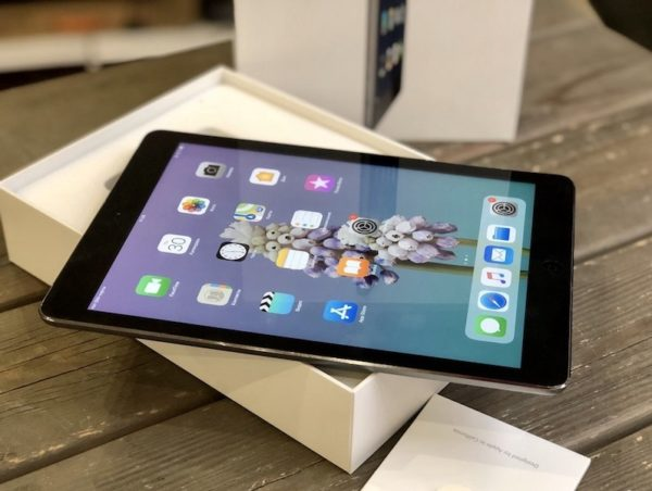 Apple iPad Air 32 GB WI-FI+LTE Black ; (б/у) - ТвойGadget