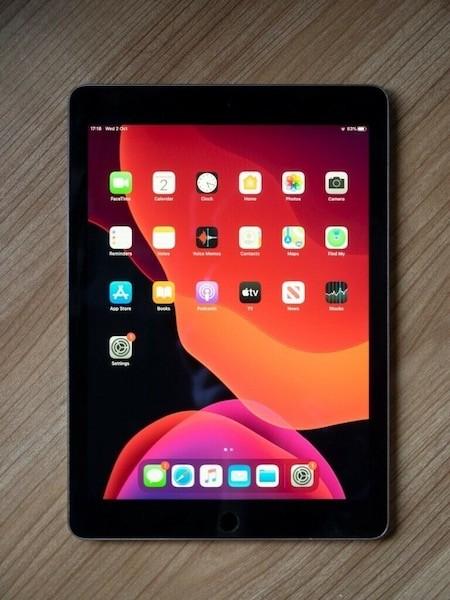 Apple iPad Air 64 GB WI-FI Black ; (б/у) - ТвойGadget