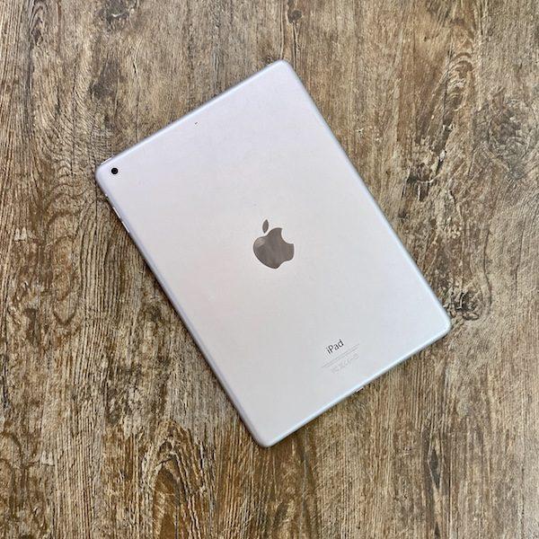 Apple iPad Air 2 16 GB WI-FI Silver ; (б/у) - ТвойGadget