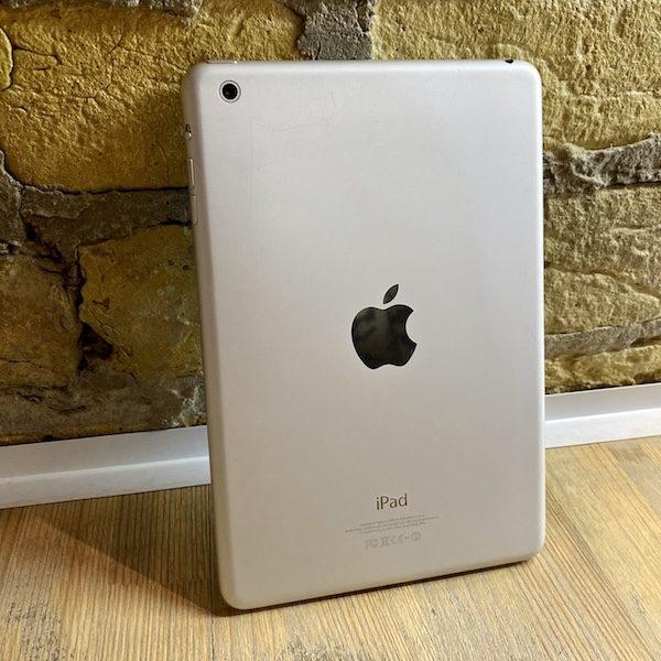 Apple iPad mini 2 Retina 64 GB WI-FI Silver; (б/у) - ТвойGadget
