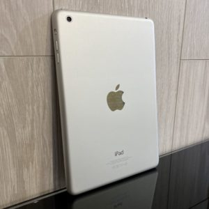Apple iPad mini 2 Retina 32 GB WI-FI Silver; (б/у) - ТвойGadget