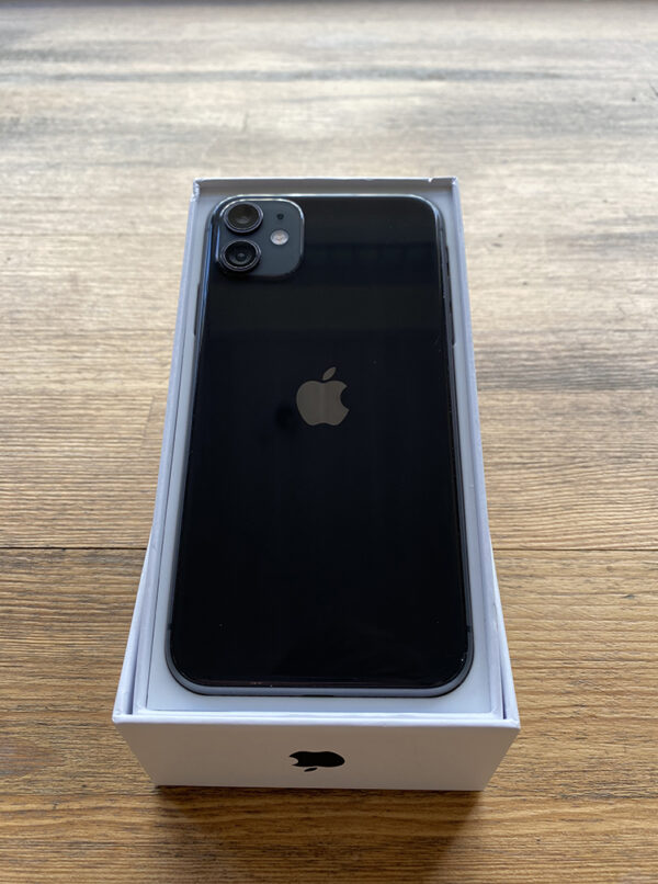 Apple iPhone 11 64GB Black (MWLT2) ; состояние – А - ТвойGadget