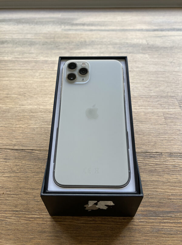 Apple iPhone 11 Pro 512GB Silver (MWCT2) Б/У состояние – А - ТвойGadget