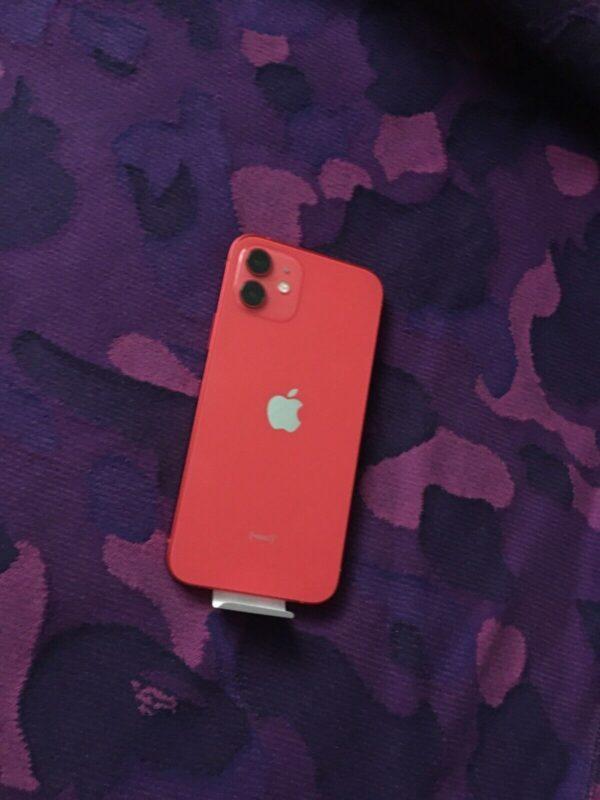 Apple iPhone 12 256GB (PRODUCT)RED (MGJJ3/MGHK3) состояние – А - ТвойGadget