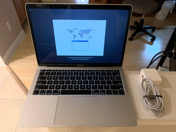 Apple MacBook Air 13″ Silver 2018 (MREA2, 5REA2) Б/У состояние — А - ТвойGadget