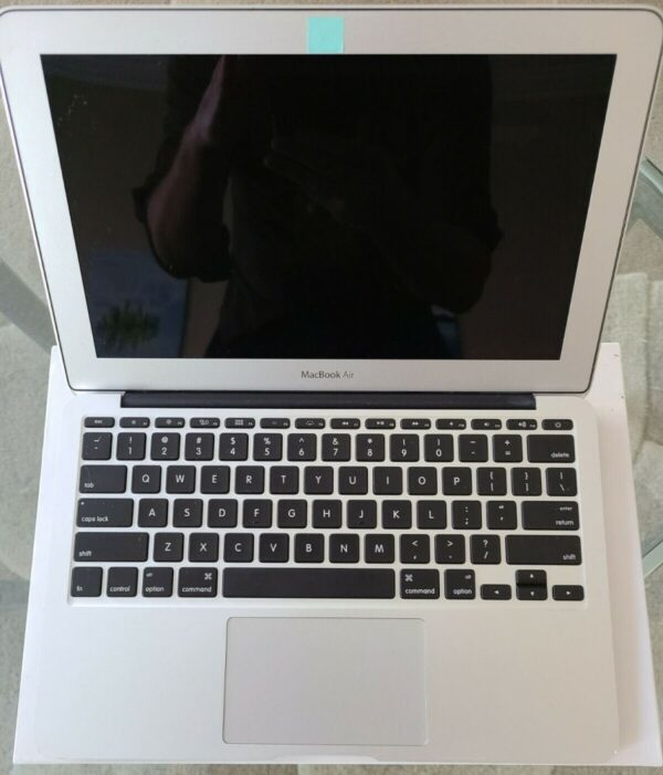 Apple MacBook Air 11″ Early 2015 MJVP2 Б/У состояние – А - ТвойGadget