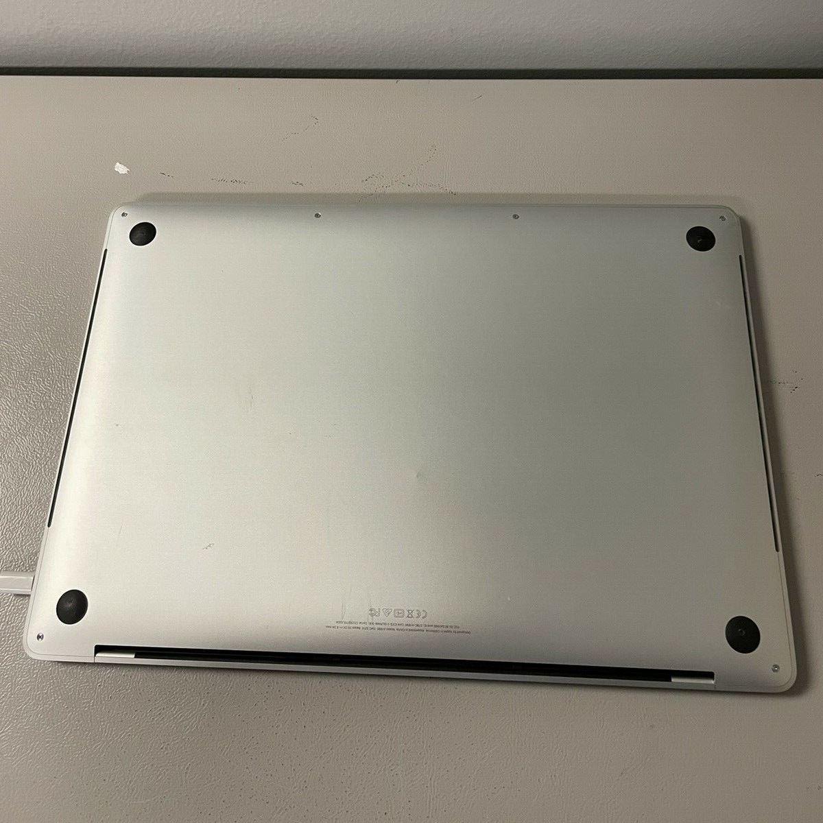 Apple MacBook Pro 15″ Silver 2019 (MV932) Б/У состояние – А - ТвойGadget